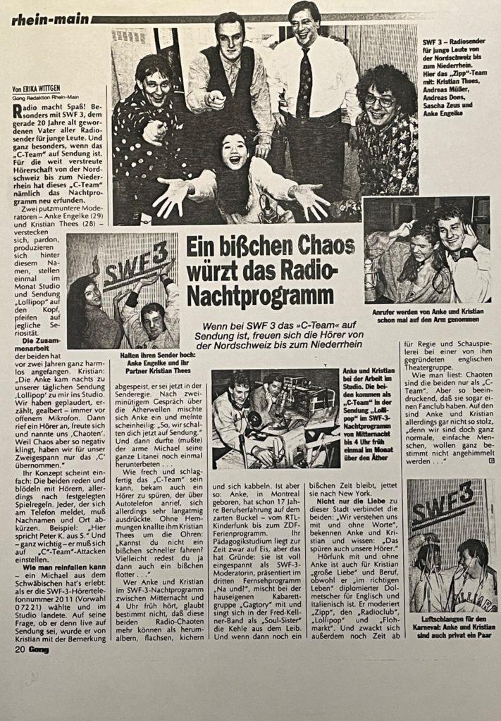 """Ganze Seite aus dem der Ausschnitt des vorherigen Bildes genommen wurde. Die Seite ist betitelt mit: """"Ein bißchen Chaos würzt das Radio-Nachtprogramm - Wenn bei SWF 3 das C-Team auf Sendung ist, freuen sich die Hörer von Nordschweiz bis zum Niederrhein"""""""